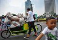 Sampah Plastik Tercecer Saat Car Free Day, #SayaPilihBumi Mulai Bergerak