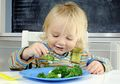 Bikin Si Kecil Doyan Makan Sayur dengan Terapkan Hypnoparenting