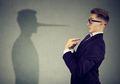 Suka Bohong Tapi Nggak Sadar? Hati-hati Sama Gangguan Mythomania