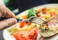 Catat, Jangan Konsumsi 3 Makanan Ini Saat Moms Sedang Lapar Berat!