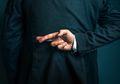 Bagaimana Mengetahui Bahwa Seseorang Sedang Berbohong Melalui 6 Tanda