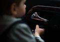 Ini Bahayanya Jika Anak Terjebak di Dalam Mobil Saat Cuaca Panas