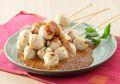 Resep Sate: Sate Bola Ayam Saus Pecel, Pasti Tak Ada yang Bisa Nolak Kelezatannya