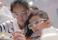 Mau Jadi Ilmuwan? Yuk, Menjelajahi Dunia Kimia di Sini!