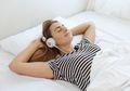 Musik Membuat Tidur Lebih Berkualitas, Jenis Ini Paling Disarankan!