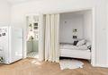 6 Cara Menata Kamar Tidur di Apartemen Tipe Studio Agar Lebih Privat