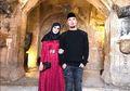 Ahmad Dhani Dituntut 2 Tahun Penjara, Mulan Jameela Suap-Suapan dengan Sosok Ini