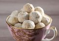 Resep Membuat Snowy Almond Cookies, Kue Kering Natal yang Maniskan Suasana