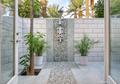 Bergaya Tropis, Begini Cara Mengaplikasikan Shower Outdoor di Rumah