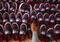 Memproduksi Ribuan Pasang Setiap Minggu, Geliat Pengusaha Sepatu di Mojokerto