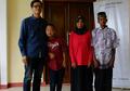 Rumah Baru untuk Pasutri Lansia dan Anaknya yang 'Down Syndrome'