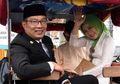 Ciuman Mesra Kang Emil untuk Sang Istri jadi Saksi Hasil Imbang Persib Bandung