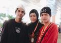 Berbalut Hijab Syari, Ini Momen Maia Estianty Haru Bawa Al dan Dul ke Taman Surga