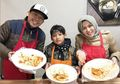 Pasca Keguguran, Istri Denny Cagur Dapat Suprise 'Sederhana' Berupa Kue Ultah dan Kertas Bukti Transfer Rp 100 Juta
