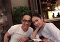 Nikahi Produser Kaya Beda 18 Tahun, Mewahnya Dapur Rumah Bunga Zainal Curi Perhatian