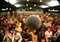 8 Cara Mengasah Kosakata Agar Bisa Berbicara Tenang di Depan Banyak Orang