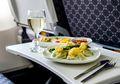 Ini Alasan Kenapa Makanan yang Disajikan di Pesawat Rasanya Nggak Enak