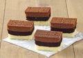 Resep Membuat Cake Lapis Cokelat Moka Vanila Ini Bisa Dibuat Tanpa Oven