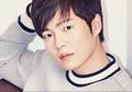 Son Seung Won dan 5 Seleb Korea Ini Terlibat Kasus Mabuk Saat Nyetir!