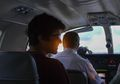 Begini Kelakuan Warganet Cina Ngelakuin 'Fake Plane Ride' Challenge