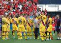Baru Debut 13 Menit di La Liga, Bek Barcelona Ini Dipaksa Keluar