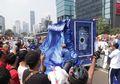 Berbagi Gembira dengan Warga Jakarta, Truk #BijakBerplastik Tunjukkan Siklus Daur Ulang Botol Plastik Bekas