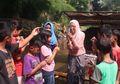 LabTek Apung, Belajar Sains di Atas Getek Bagi Warga Bantaran Kali