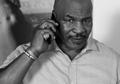 Mike Tyson Sebut Mayweather Tukang Ngayal, Tak Pantas Jadi Petinju Terhebat