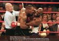 VIDEO - Lucunya Mike Tyson Kembalikan Telinga Evander Holyfield yang Digigitnya Bertahun-tahun Silam