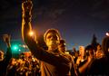 Potret Duka dan Kemarahan yang Menyatu di Minneapolis