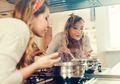 Tahukah Kamu? 5 Kebiasaan Makan Ini Buruk Bagi Para Wanita
