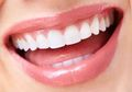 Gigi Putih Tanpa Veneer, Cukup Gunakan Minyak Kelapa