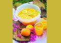 Orange Punch dengan Potongan Jeruk