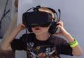 Sering Pakai Gadget VR? Inilah Efek Buruknya Bagi Kesehatan