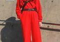10 Mix and Match Outfit Berwarna Merah yang Bisa Dipakai Saat Perayaan Imlek