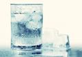3 Mitos dan Fakta soal Air Es, dan Manfaatnya Buat Kesehatan
