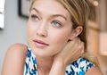 6 Tips Menata Rambut Berminyak Biar Enggak Lepek. Praktis dan Mudah Dicoba!