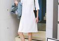 Tampil Kasual dengan 8 Balutan Dress Putih untuk Kegiatan Sehari-hari