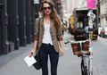 5 Tips Tampil Formal dengan Celana Jeans Agar Tidak Terkesan Terlalu Santai