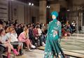 Desainer Jeny Tjahyawati Pamerkan Busana Modest Etnik Hijab Bertajuk Bunga Loppo di Fashion Scout London Fashion Week 2018