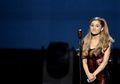10 Cewek Sexy yang Karyanya Menang di American Music Awards 2016, Apakah Menang di hati Kalian Juga?