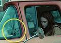 Kocak, 5 Foto Ini Ngasih Lihat Kesalahan Fatal dalam Film!