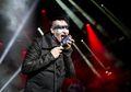 Waduh, Marilyn Manson Tertimpa Properti Panggung Saat Lagi Konser. Lihat Videonya Di Sini
