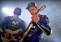 Keren! Valentino Rossi Jadi Anak Band untuk Perkenalkan Motor Baru