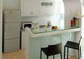 Dapur Gaya Modern, Perpaduan Bentuk Geometris & Warna Terang