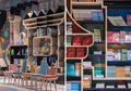 Pecinta Buku Wajib Banget Mengunjungi 10 Toko Buku Unik Ini!