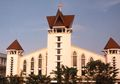 Intip Arsitektur dan Interior Gereja Santa Maria Tak Bercela, Korban Ledakan Bom di Surabaya