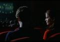 Nikmati Pengalaman Penuh Menonton Film Melalui 5 Hal Penting Ini