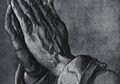 Kisah di Balik Tangan yang Berdoa