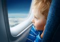 Cara Bikin Anak Sibuk tanpa Gawai Elektronik di Pesawat